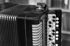 Старый конец аккордеона вверх стоковые фотографии rf