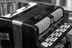 Старый конец аккордеона вверх стоковая фотография rf