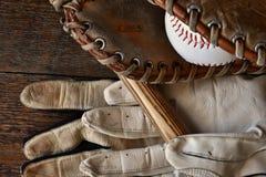 Старый конец оборудования бейсбола вверх Стоковое Фото