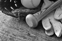 Старый конец оборудования бейсбола вверх Стоковые Фотографии RF