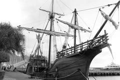 Старый корабль в today& x27; море s стоковая фотография rf