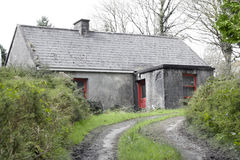 Старый коттедж в сельской местности Tipperary Стоковое фото RF