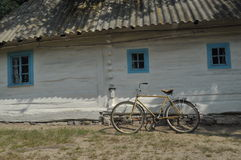 Старый коттедж на Украине Стоковая Фотография RF