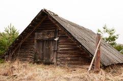 Старый коттедж, старый деревянный дом Стоковые Фото