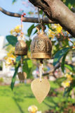 Старый колокол в саде Стоковые Изображения RF