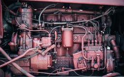Старый красный двигатель с сериями частей стоковое изображение rf