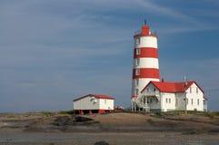 Старый красный и белый маяк Стоковое Изображение