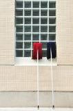 Старый красный и голубой mop стоковая фотография