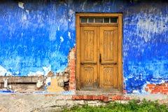 Старый красочный фасад дома Стоковое Изображение