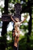 Старый крест изрезанности с распятием стоковое фото rf