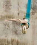Старый клапан водопроводного крана Стоковая Фотография RF
