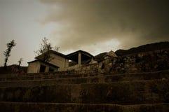 Старый ландшафт дома или виска стоковое изображение