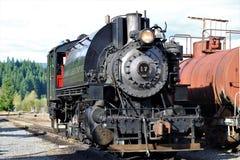 Старый локомотив парового двигателя на следах Стоковое Изображение