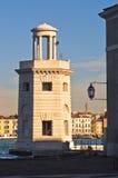 Старый маяк перед церковью Сан Giorgio Maggiore в Венеции Стоковые Изображения