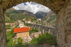 Старый мост-водовод в баре Stari. Черногория Стоковые Изображения RF
