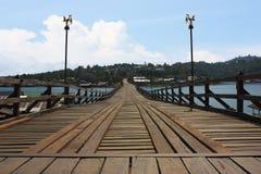 Старый мост деревянного моста стоковые изображения