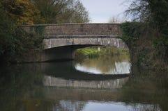 Старый мост над каналом стоковое изображение