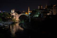 Старый мост Stari больше всего, река Neretva и старый городок в Мостаре Стоковая Фотография RF