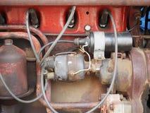 Старый мотор трактора фермы Стоковые Фотографии RF