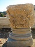 Старый мрамор колоннад, висков, руин, утесы, Стоковые Изображения RF
