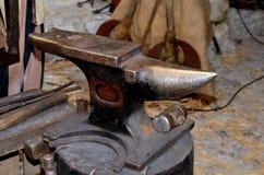 Старый наковальня Стоковая Фотография