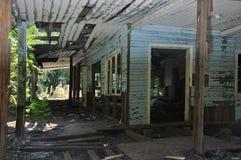 Старый необжитый дом Стоковые Фотографии RF