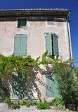 Старый дом в Vaison-Ла-Romaine, в Провансали, Франция Стоковое Изображение