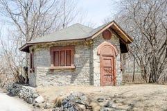 Старый дом около ораторства St Joseph Стоковая Фотография