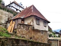 старый дом demages стоковое фото rf