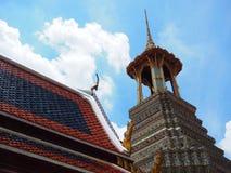 Старый павильон архитектуры Азии с голубым небом от Таиланда Стоковые Фотографии RF