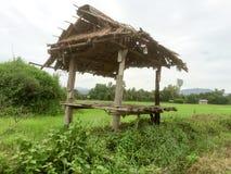 Старый павильон на ниве Стоковая Фотография