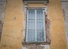Старый падать врозь окно стоковое фото rf