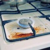 Старый пакостный плита газа Стоковая Фотография