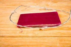 Старый паспорт окруженный колючей проволокой стоковые изображения rf