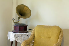 Старый патефон стоковая фотография