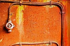 Старый переключатель на ржавой железной стене Стоковое фото RF