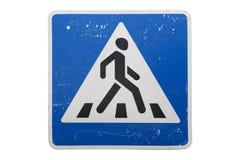 Старый пешеходный переход ` ` дорожного знака изолированного на белизне стоковое фото rf