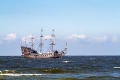 Старый пират Galleon в Балтийском море Стоковые Изображения RF