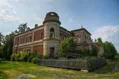 Старый покинутый особняк Smelsky, области Рязани, России Стоковое Изображение