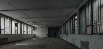 Старый покинутый пакгауз Стоковые Фотографии RF