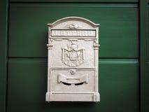 Старый почтовый ящик - почтовый ящик - вывесите коробку 5 Стоковое Изображение