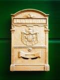 Старый почтовый ящик - почтовый ящик - коробка столба Стоковое Фото