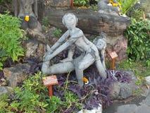 Старый пример массажа каменных статуй на основаниях виска Wat Pho Стоковое Изображение RF