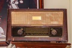 Старый радиоприемник FM с периода Второй Мировой Войны Стоковая Фотография