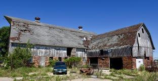 Старый разрушанный амбар Айовы стоковое изображение rf