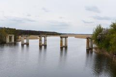 Старый разрушанный мост стоковые фото