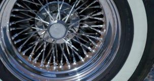 Старый, ретро, классический крупный план колеса cabriolet акции видеоматериалы