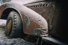 Старый ржавый автомобиль Стоковая Фотография RF