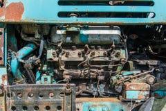 Старый ржавый двигатель трактора Стоковое Изображение