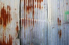 Старый ржавый гальванизированный цинк Стоковые Фотографии RF